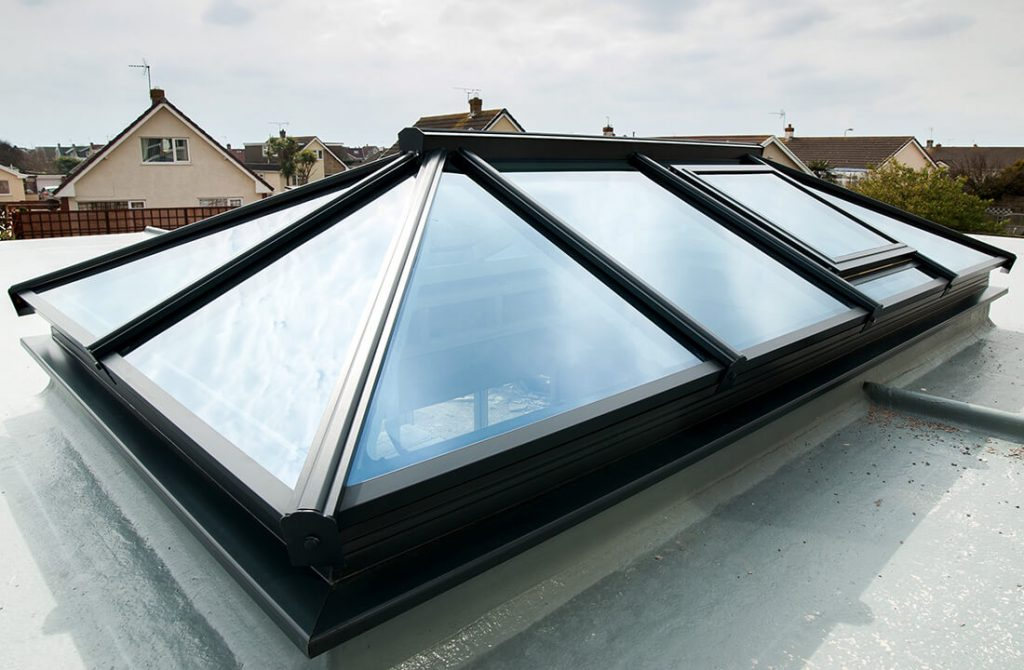 Outdoor-lantern-roof