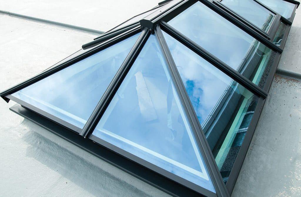 Exterior lantern roof